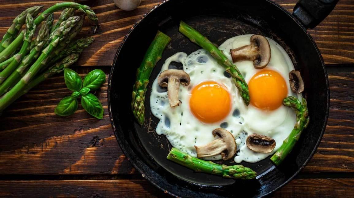 Ăn sáng bằng trứng