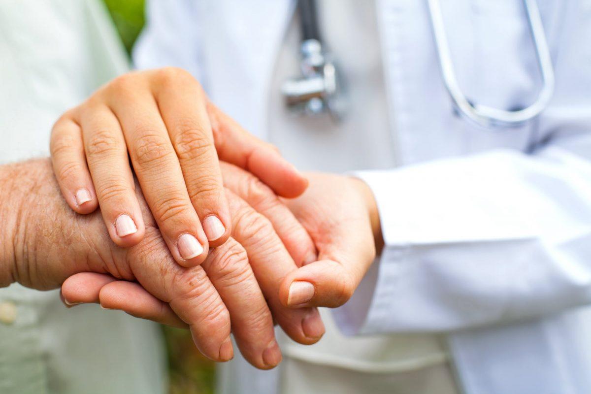 Thảo luận về tất cả các lựa chọn điều trị viêm khớp với bác sĩ