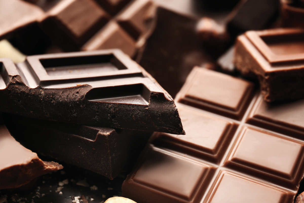 Nên sử dụng sôcôla đen có chứa 70 phần trăm cacao trở lên