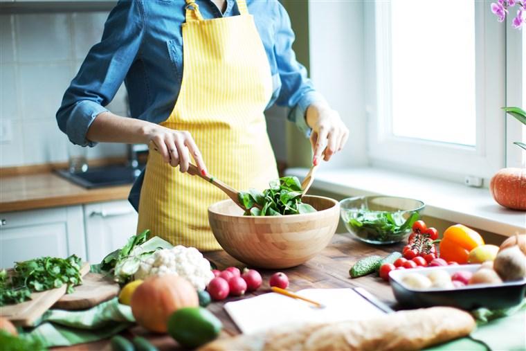 Chế độ ăn kiêng low-carb làm giảm sự thèm ăn của bạn